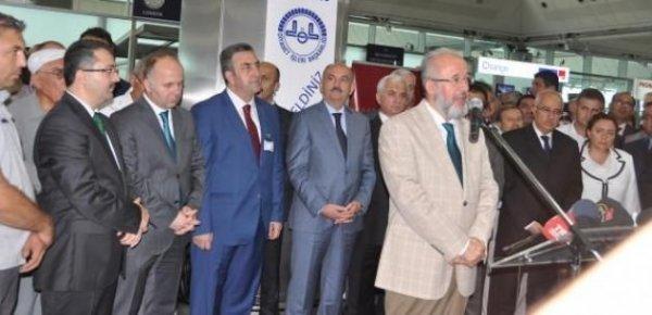 Hacı adaylarını Bakan Müezzinoğlu uğurladı