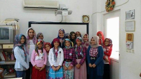 Hacı Gülser Bulut Kur'an Kursu Öğrencileri Kur'an Rozeti Taktılar