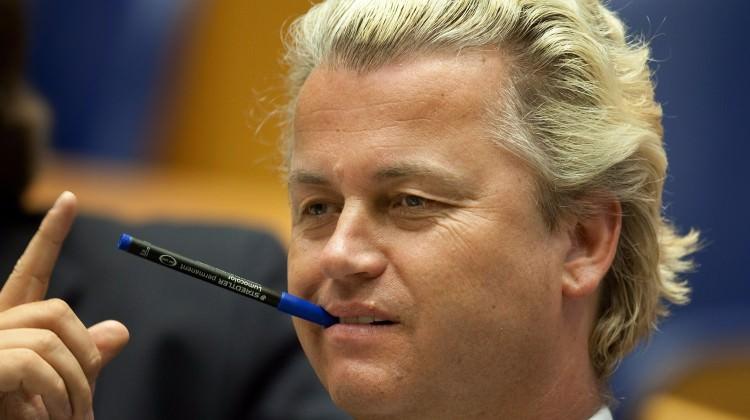 Hollandalı ırkçı lider Kuran-ı Kerim\'e dil uzattı!