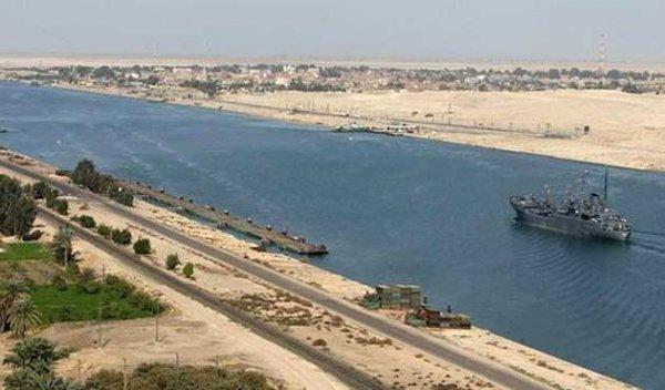 İlk Süveyş Kanalı'nın onur konuğu Fransa İmparatoriçesiydi