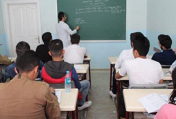 Öğretmen adaylarının alan sınavı yapıldı