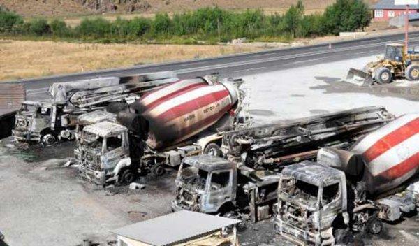 PKK beton firmasını basıp 7 aracı ateşe verdi