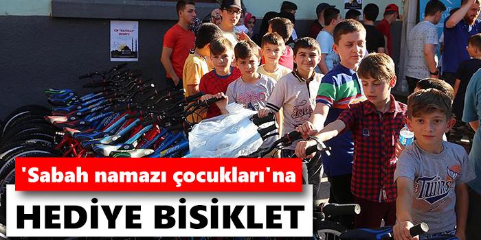 'Sabah namazı çocukları'na hediye bisiklet