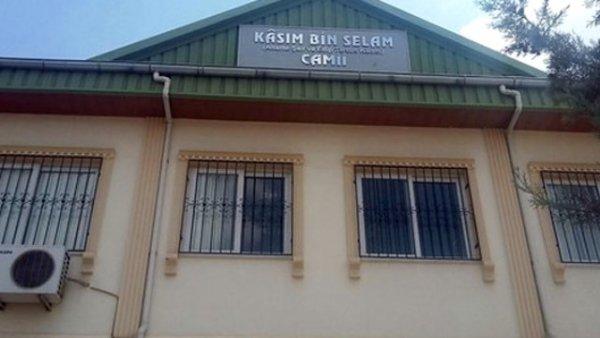 Tarsus'ta Cami Kurşunlandı