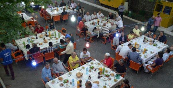 Türkiye Diyanet Vakfı Arnavutluk'ta iyilik sofrası kurdu