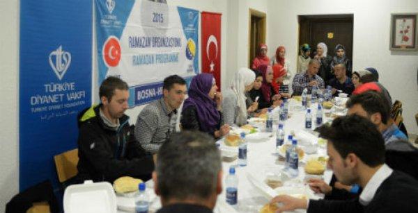 Türkiye Diyanet Vakfı Bosna'da İyilik Sofrası kurdu