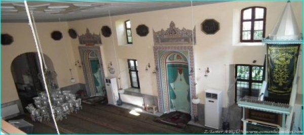 Üç Mihraplı Camii