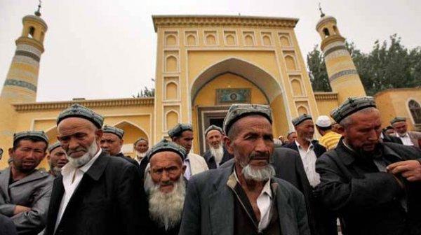Uygur Türklerine oruç tutmak yine yasaklandı